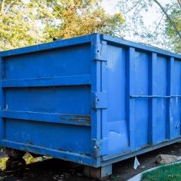 Dumpster_745940032